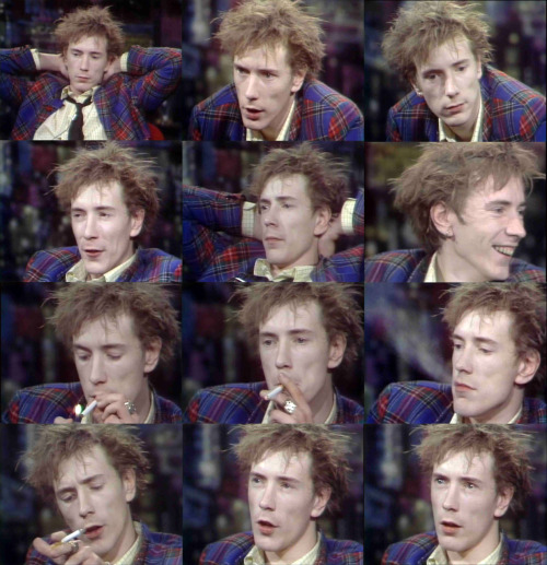 missdandy:  Screen caps of John Lydon from the Tomorrow Show with Tom Snyder, 1980