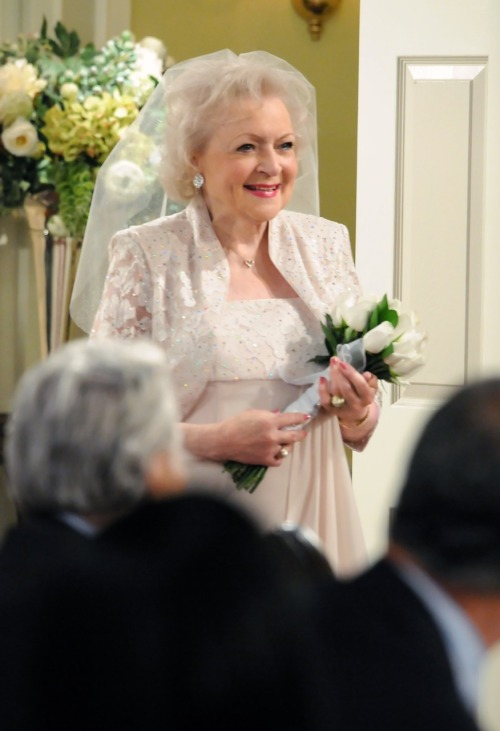 Elka is getting married tonight 10PM/9C!