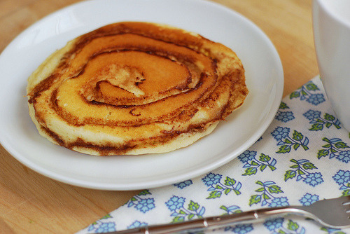 "thatluciegirl:Cinnamon Roll Pancakes Cooking things properly is on my ""grown up apartment"" to-do list. youfancyme is either going to be delighted or horrified by the results. For now, some tastespotting in between Excel spreadsheets."