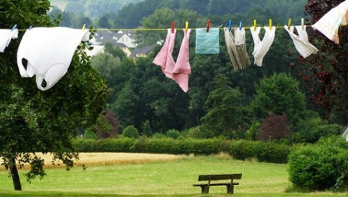 How to green your garbFrom shopping to washing, from drying to dry cleaning, let MNN show you how to green your sleeves.