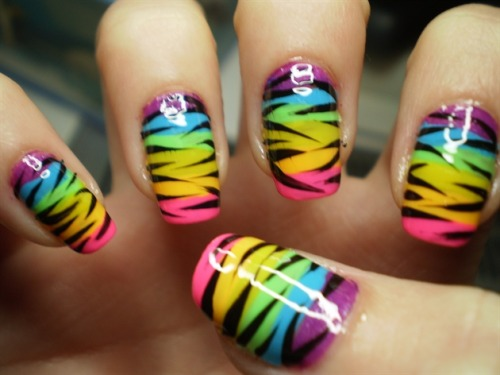Get your own rainbow zebra nail art with this tutorial! (image via nailartgallery)