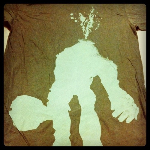 @Gamesharky just hooked me up with the awesome Shadow of the Colossus shirt from PAX.  You can insert your jealousy ….. (here) …… I'll have to start a Fumito Ueda spot on my shelf now in prep for whenever Last Guardian decides to be more than a pretty trailer.