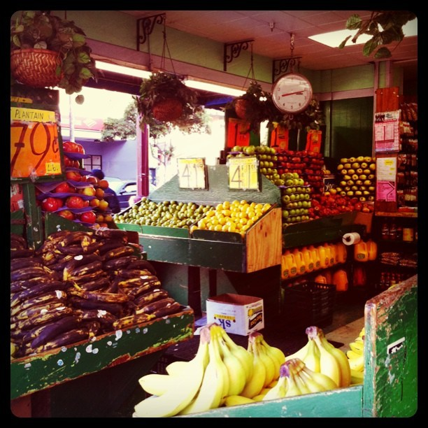 fruit market in the Mission
