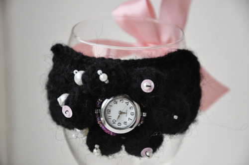 Knitted watch- light