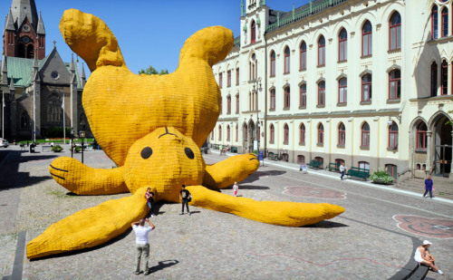 Big yellow rabbit!