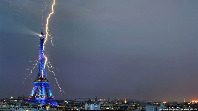 Wow! Lightning striking the Eiffel Tower. (via Gizmodo)