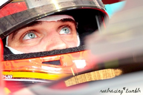 realracing:  Your eyes are way to pretty.  *_______*