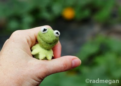 Megan from RadMegan needle felted this adorable bust of Kermit the Frog!