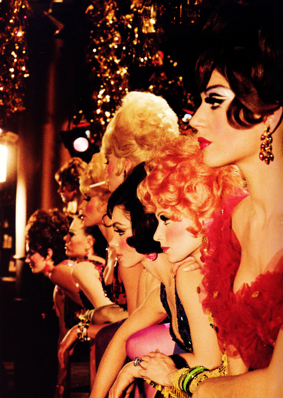 geewhizgolly:  Showgirls in Las Vegas, Nevada, 1960s. By Sammy Davis Jr.