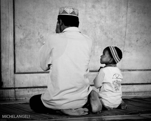 "thebeautyofislam:  ""And be steadfast in prayer; practise regular charity; and bow down your heads with those who bow down (in worship)."" [2:43]  Subhanallah"