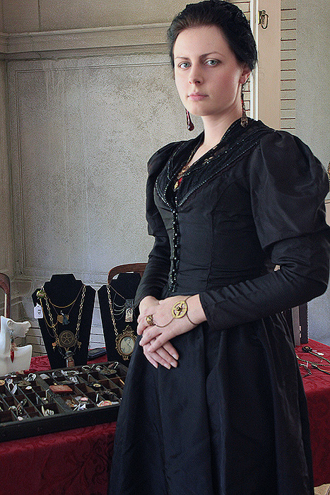 cristinabeller:  Myself at a local Steampunk event, selling my handmade jewelry!
