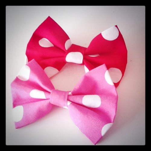 lindsayummy:  Minnie bows!! From Kanzashi (Taken with instagram)  cuuuuteee! ^~^