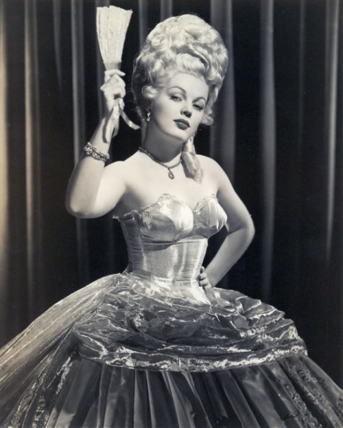 extranuance:  I Wonder Who's Kissing Her Now (1947) June Haver