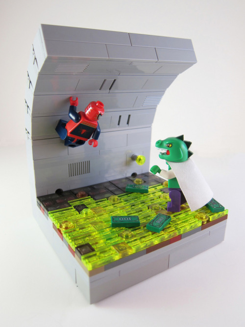 herochan:  LEGO Spidey vs. Lizard in the sewer  Image by Mark Anderson (via:itlego)