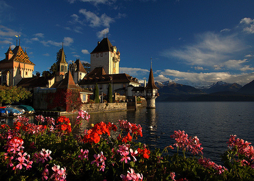 allthingseurope: Oberhofen Castle, Switzerland by Les Rho@des