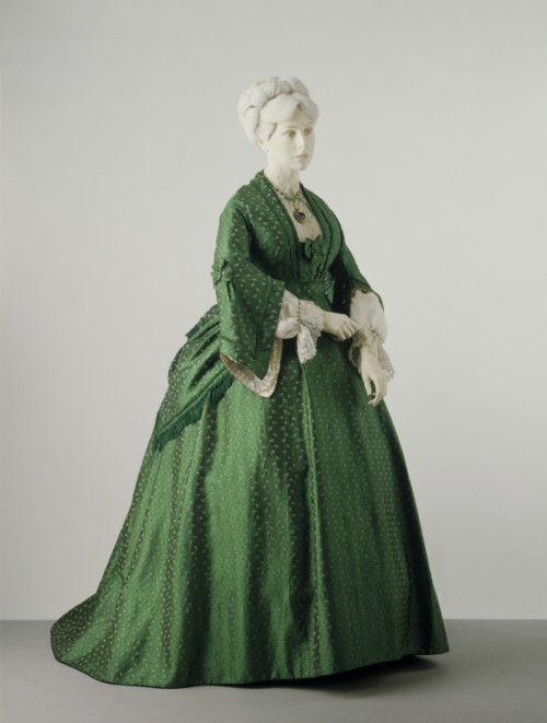 Dress ca. 1872 via The Victoria & Albert Museum