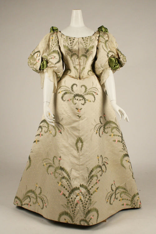 omgthatdress:  Charles Fredrick Worth ball gown ca. 1889 via The Costume Institute of the Metropolitan Museum of Art