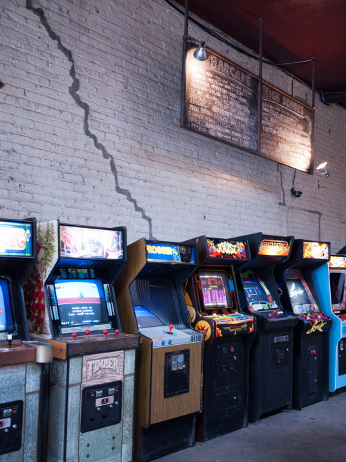 it8bit:  Arcade Cabinets + Highscores - photo by Hal Hex Barcade, Brooklyn, NY