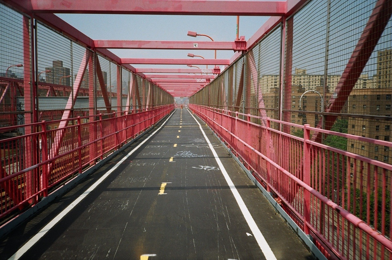 atisha:  williamsbrug bridge. nyc. 2011