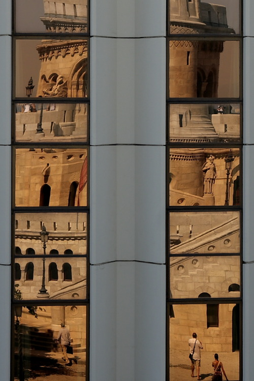 == Reflection of Halászbástya (Fisherman's Bastion) in the Budapest Hilton ==