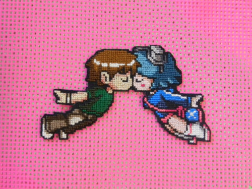 underdogking:  (via Scott Pilgrim Loves Ramona Flowers crossstitch by pandakabobs)