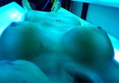 tanningbedgirls:  Submit yours to be featured to our thousands of followers across Tumblr and Twitter or email them Anon to BL44772@gmail.com