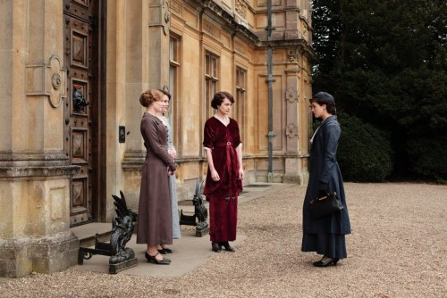 quitesodowntonabbey:  Looks like Sybil's saying her farewells…