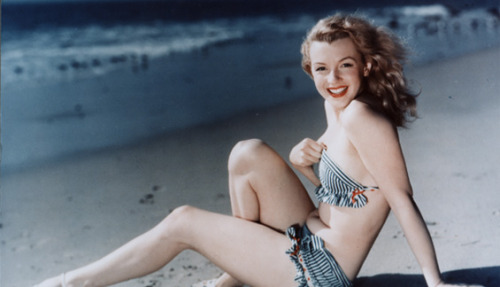 ohmisscourtney:  Marilyn's natural hair color is brown, but she is known to most as a blonde. She first dyed her hair blonde in 1946, around the time she changed her name from Norma Jeane.