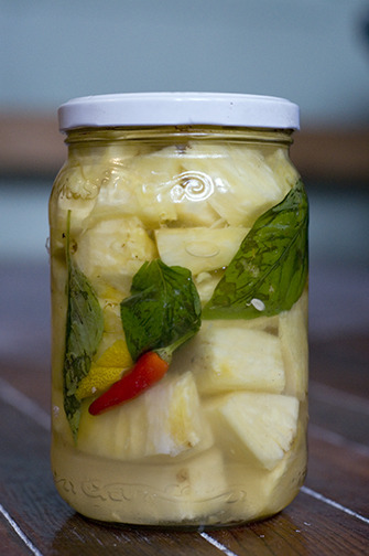 Our spicy pickled pineapple with cardamom.