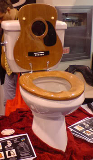 I fucking want this toilet seat in my future house. Now you're taking a shit with swag.