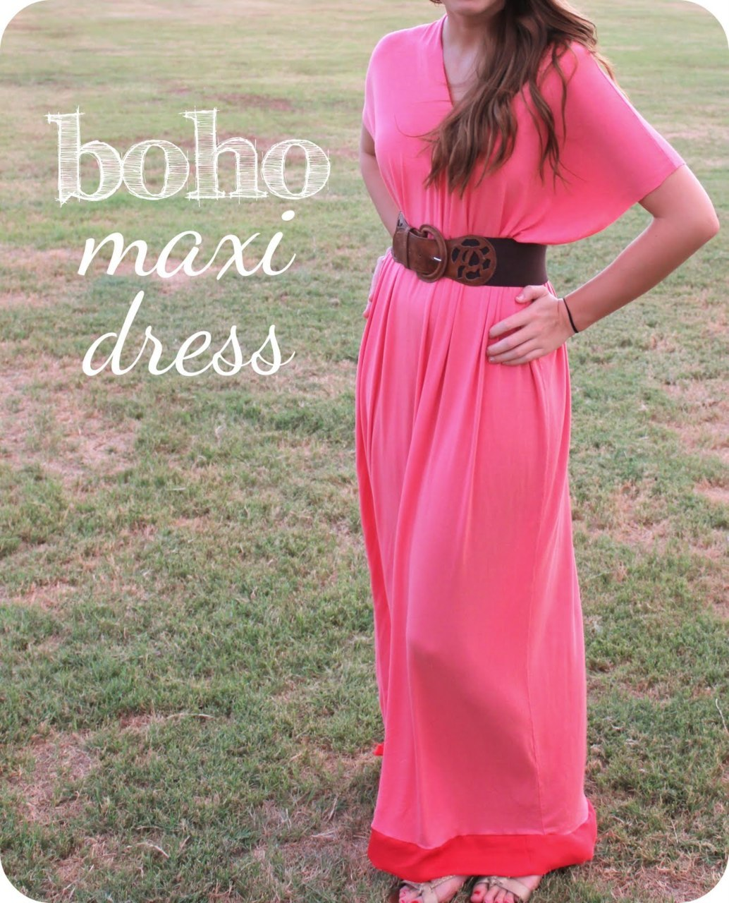 Boho Maxi Dress Tutorial | Sweet Verbena Looking through my closet on Friday, I realised I have a lot of maxi dresses. I have no idea if they look any good on me, but they're my favourite piece of clothing! I like dresses and I prefer things that cover my legs. But it can be hard to find plus size maxis that don't have giant flowers or weirdo hippie prints on them. This is a super easy sewing project, plus you can do as Sweet Verbena has done and buy white fabric and dye it the colour you like. I think I might even sew on some lace… to the fabric store!