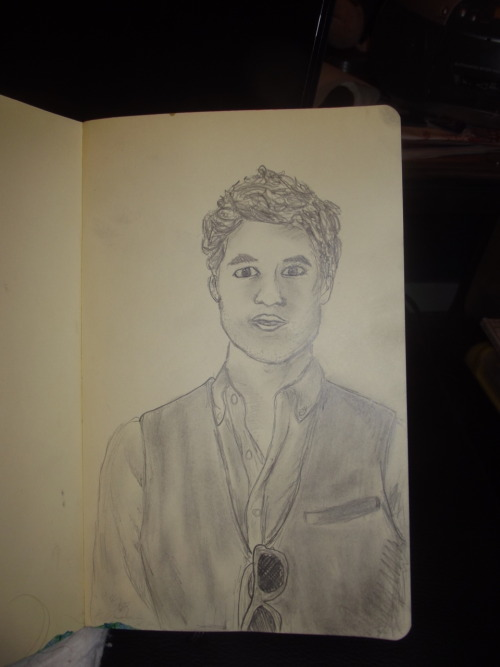 fuckyeahmoleskines:  Darren Criss sketch from photo, Deanoxe.