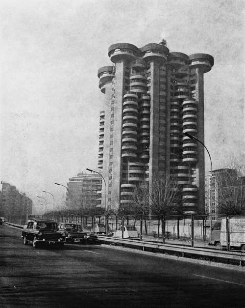 SÁENZ DE OIZA, Torres Blancas (White Towers), Madrid, 1964-1969. The plan.