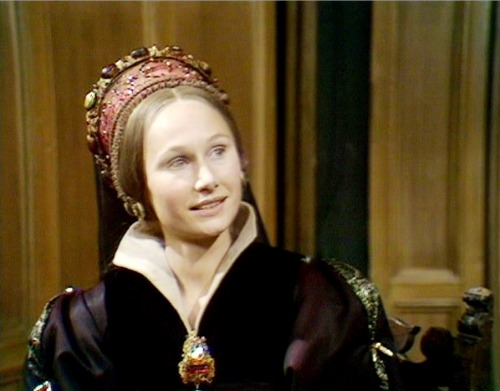 costumedramas:  Angela Pleasence as Katherine Howard in The Six Wives of Henry VIII (1970).