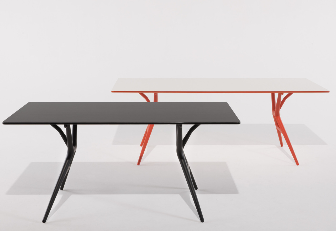 Kartell Spoon Table | Antonio Citterio, Toan Nguyen | dining / tables at Stylepark