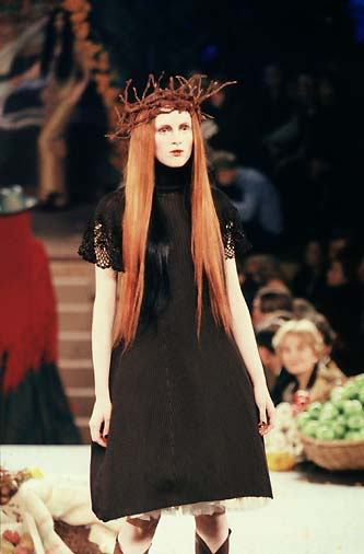 karen elson at jean paul gaultier spring/summer 1998