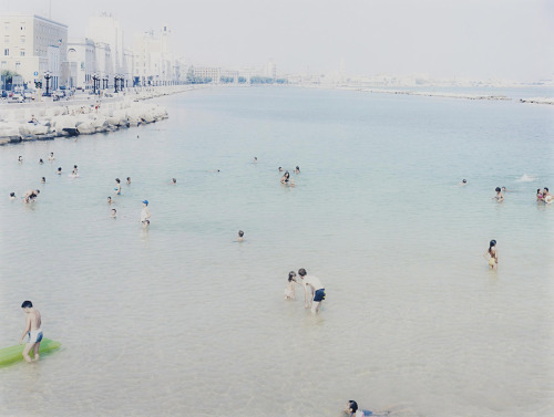 melisaki:  #1878 Bari 4 photo by Massimo Vitali, 2003