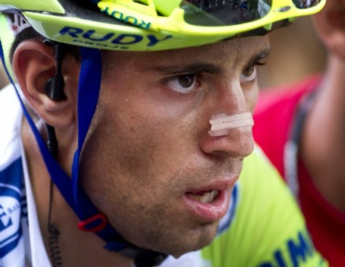 queenstage:  Put your game face on again, Nibz, and defend your Vuelta championship. (Photo via DayLife)  When I saw this morning that Nibbles is down in 7th, 1:25 back, I felt a bit like crying… Don't let Twigs McGee beat you, Nibbles! (BTW, still hot.)