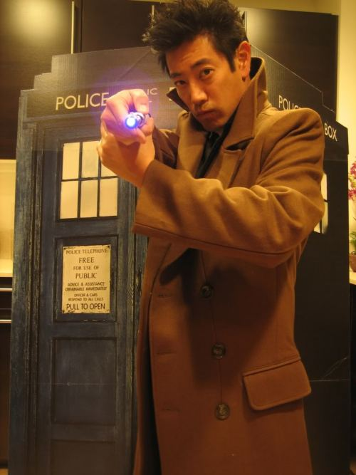 thetardis:  bowlof-oranges:  lynthorne:  Grant Imahara as the 10th Doctor.  WHERE ARE THE NOTES?  GIVE THIS MAN MORE NOTES.  Any of y'all watch Mythbusters? WELL, LOOK. IT'S GRANT IMAHARA. AS TEN. Let your minds explode. Like stuff on the show.  Does that make Adam and Jamie his companions?  Because I have to say I am all for the Mythbusters running amok across the timeline.  GIMME.  NOW.