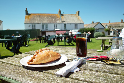 clottedcreamscone:  CORNISH PASTY by Tatsuki's on Flickr.