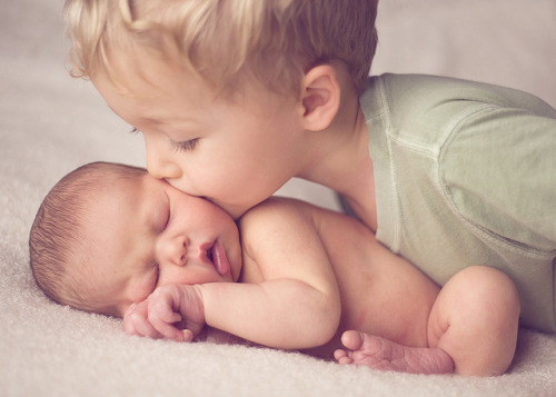 birthisbeautiful:  Brother love - heart melting!!