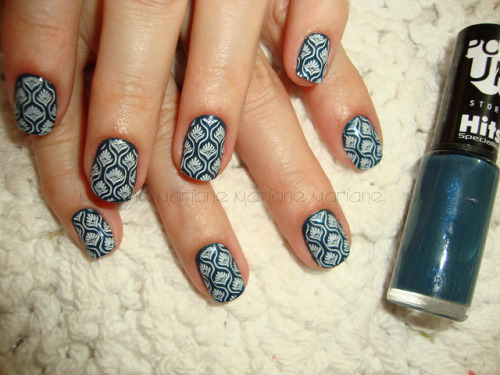 nailsbyveryemily:  nailsthings:  Por Mari Manicure ツ  I'm not usually a fan of stamping or konad but this is absolutely gorgeous!