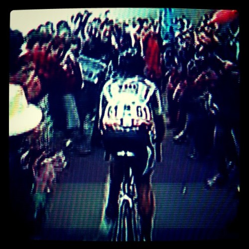 Cobo climbing into the clouds & crowds on #Angliru - Gloriously #EPIC #Vuelta #dope  (Taken with instagram)