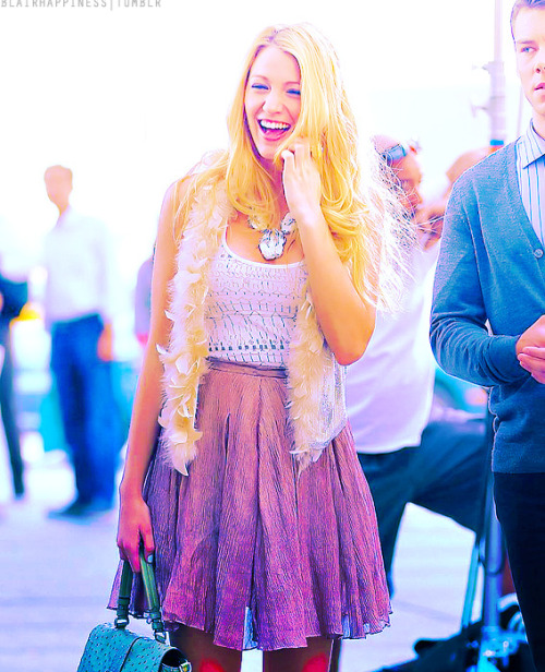 Blake Lively, September 1st 2011, On the set of Gossip Girl