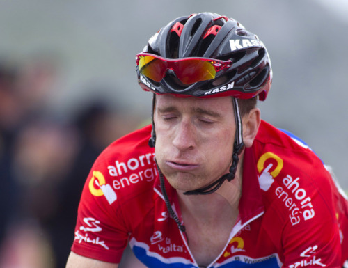 weheartcycling:  Bradley Wiggins reacts while crossing the finish line of the 15th stage of the Vuelta a Espana in Riosa.  he looks like he's going to barf. I know I would after that climb.