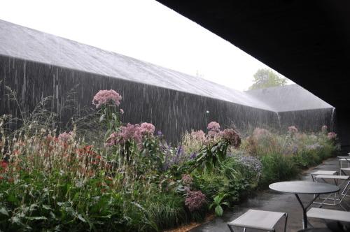 rain curtain @ zumthor pavilion, London