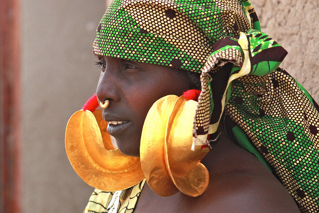 Portrait of a lady from Senossa in Mopti, Mali Photo by Ferdinand Reus