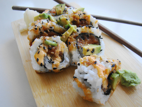 afickleheartandabitterness:  Vegan Maui Roll by norwichnuts on Flickr.