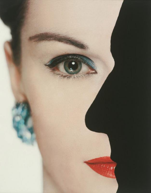 Photograph by Erwin Blumenfeld. (via)