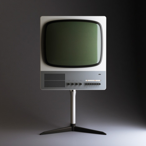 2thecolor:  Braun. Design by Dieter Rams. If your a designer.. then you should know Dieter Rams. Thas Bob Dylan of product design right there.